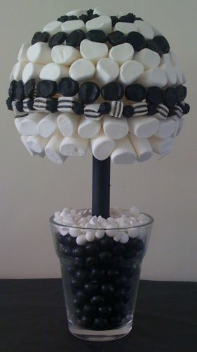 Black & White Marshmallow Sweet Tree